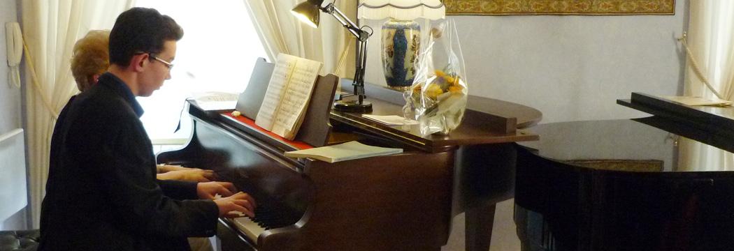 les tarifs cours de piano reims piano reims professeur de piano reims meilleur professeur. Black Bedroom Furniture Sets. Home Design Ideas